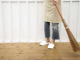 Tips for Floors: Green, Cheap and Easy Cleaning