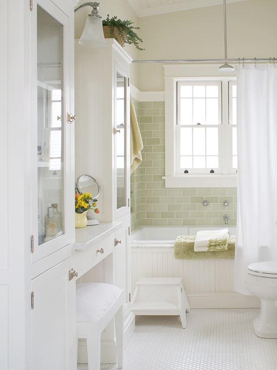 Combat Clutter in the Bathroom